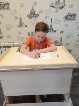 Прокопьев Николай с новой партой