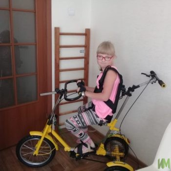 Велотренажер «Ангел соло» и стол-парта «Мечта» для Софии