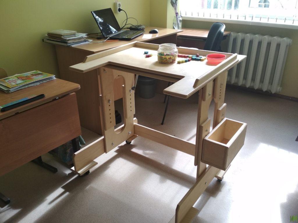 10 столов-парт для детского дома-интерната «Журавушка» и Октябрьской коррекционной школы №19