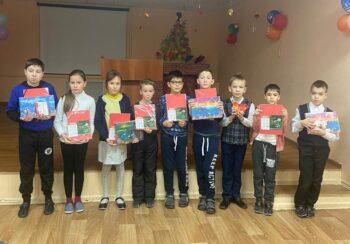 Казанская школа-интернат №7 с канцтоварами